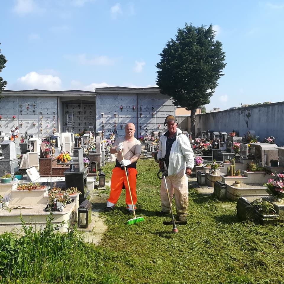 scerbatura-cimitero-castellammare